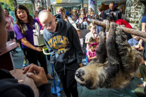 kids and sloth at Mary Bridge